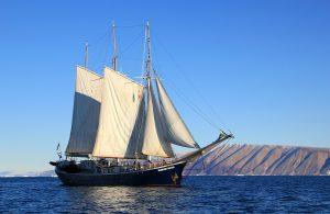 sailboat-459794_1920